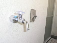 第23宮庭マンション ルーフバルコニーに水栓と電源を発見
