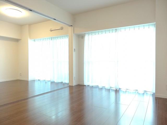 田町スカイハイツ リビング+洋室約5.6畳101