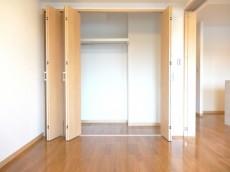 ディナスカーラ新宿 約5畳の洋室のクローゼット