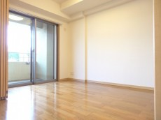 ディナスカーラ新宿 約5畳の洋室