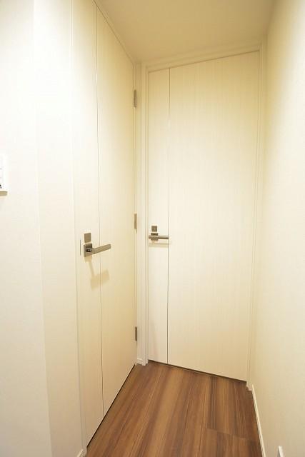 トイレと洗面室の扉