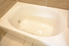 浴槽はオーバル型