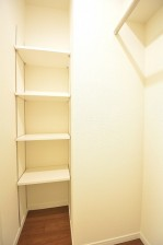約4.2畳の洋室のWIC内部
