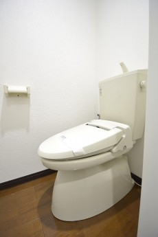 秀和参宮橋レジデンス トイレはウォシュレット付き