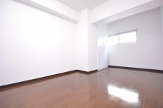 秀和参宮橋レジデンス 約7.5畳の洋室