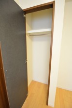 田町スカイハイツ 約5.0畳の洋室のクローゼット708