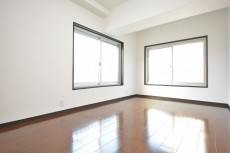 秀和参宮橋レジデンス 約8.0畳の洋室