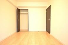約6.2畳の洋室のクローゼット