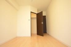 約6.5畳の洋室のWIC