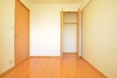 約4.5畳の洋室のクローゼット