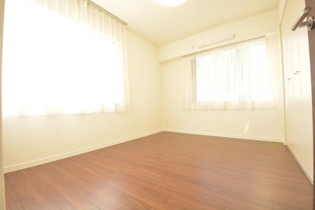 約5.8畳の洋室