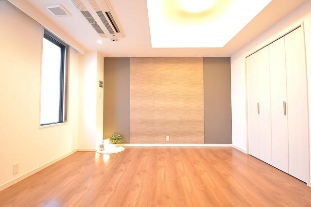 約9.5畳の洋室