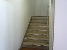 弦巻リハイム 内階段