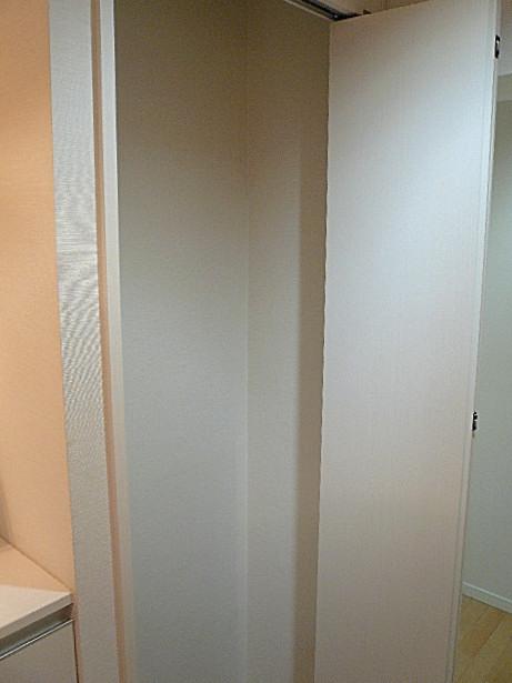 弦巻リハイム 真っ白なトールサイズ玄関収納205
