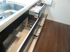 キッチン 引き出しタイプ収納