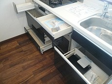 マンション駒場 収納プラス食器洗い乾燥機