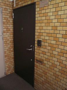 重みのある玄関です!