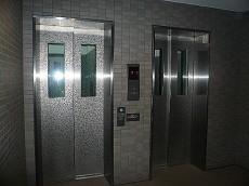エレベーターは2基あります!