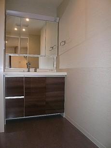 フォルスコート目黒大橋 4面鏡の洗面化粧台