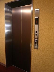 サンビューハイツ元麻布 エレベーターです。