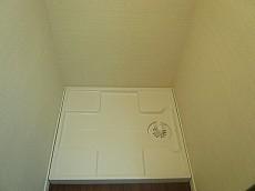 中銀築地マンシオン 洗濯機置き場です。