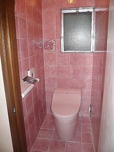 麻布網代マンション ウォシュレット付トイレです。