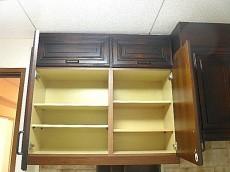 麻布網代マンション コの字型キッチン 収納(上部)