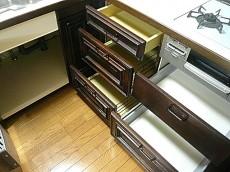 麻布網代マンション コの字型キッチン 収納(下部)