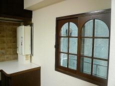 麻布網代マンション キッチン 窓