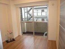 ヴェラハイツ日本橋箱崎 バルコニーに面している4.5帖洋室