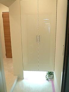 トーア新富マンション トールサイズの玄関収納