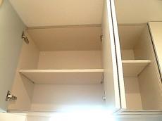 トーア新富マンション LIXIL製システムキッチン 吊戸棚