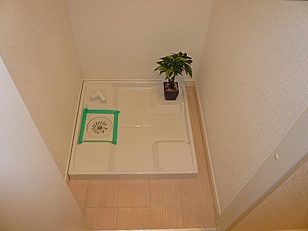 弦巻リハイム 洗濯機置き場です。