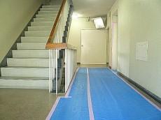 マンション駒場 間取り共用部階段