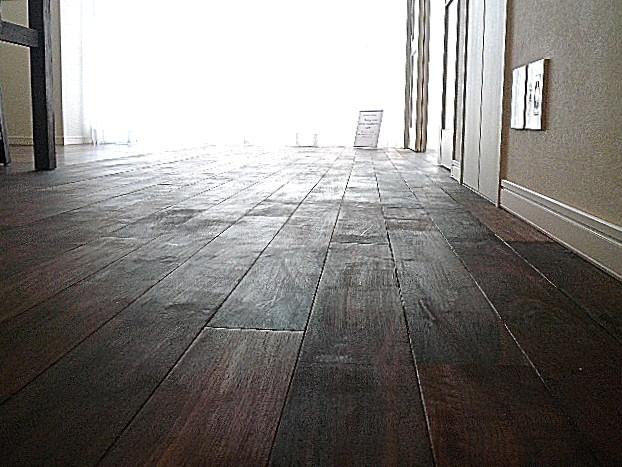 マンション駒場 無垢材のフローリング303