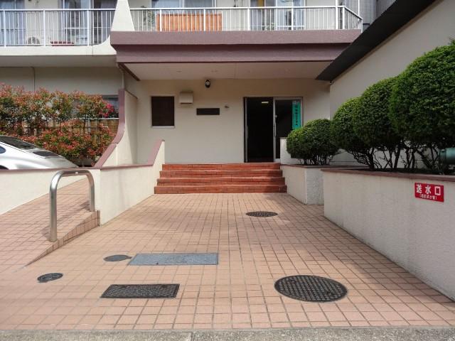 日商岩井第2玉川台マンション エントランス