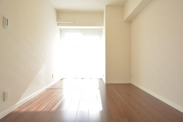 朝日白山マンション 約6.0畳の洋室