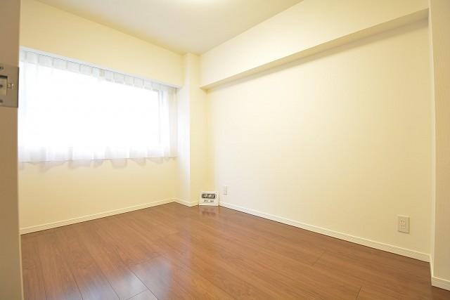 ストークマンション三田 約5.3畳の洋室