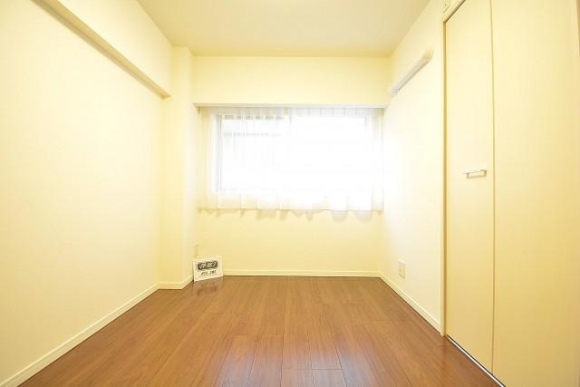 ストークマンション三田 約5.2畳の洋室