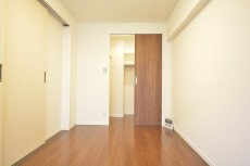 ストークマンション三田 約5.5畳の洋室のWIC