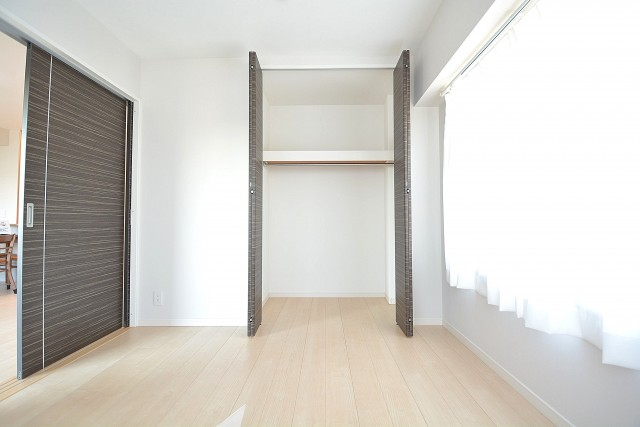 約6畳の洋室のクローゼット