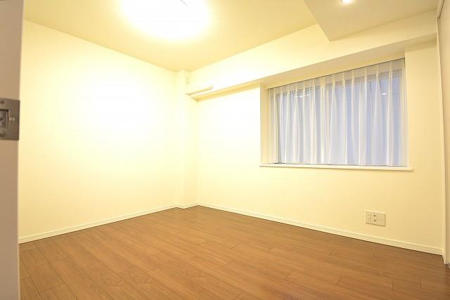 ハイツ日本橋中洲 約5.7畳の洋室