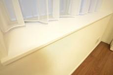 ハイツ日本橋中洲 約5.7畳の洋室の出窓