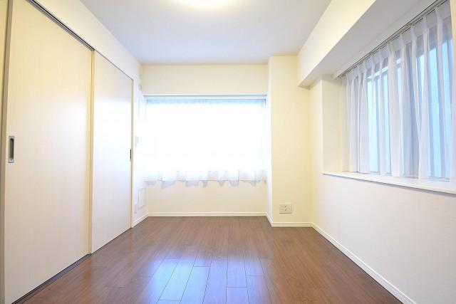 ハイツ日本橋中洲 約6.3畳の洋室