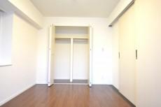 ハイツ日本橋中洲 約6.3畳の洋室のクローゼット