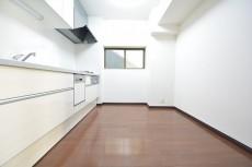 クレール麹町 約4.7畳の独立したキッチンスペース
