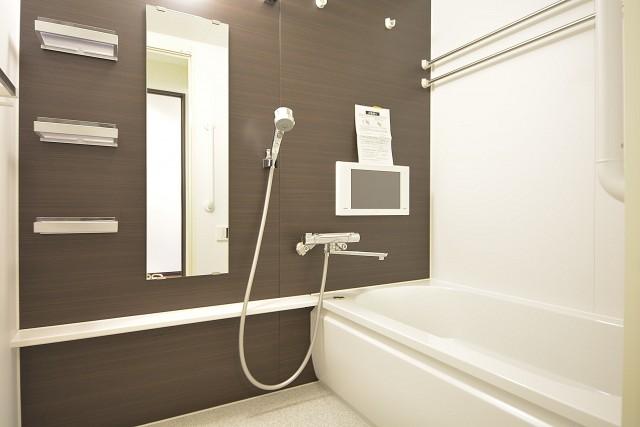 クレール麹町 テレビと浴室換気乾燥機能付き快適バスルーム