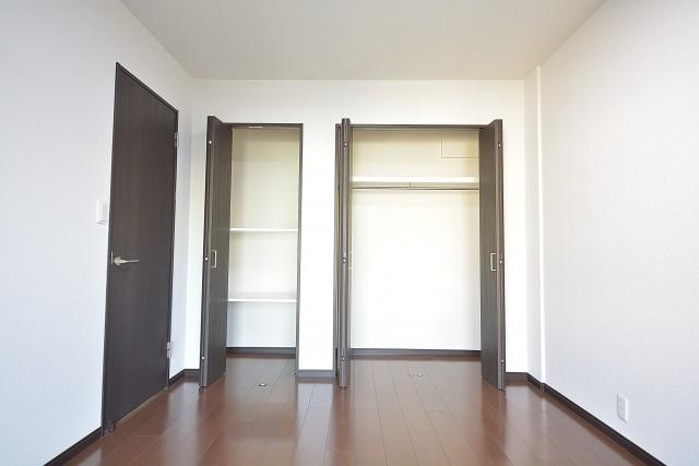 クレール麹町 約6.2畳の洋室のクローゼット