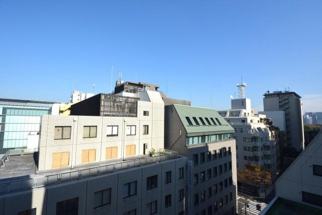 クレール麹町 リビング側のバルコニーからの眺望