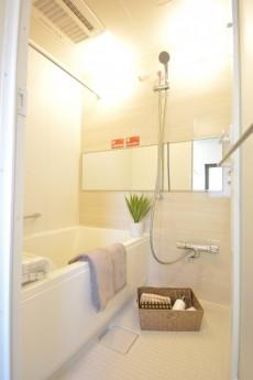 松濤ハウス 追い焚きと浴室乾燥機能付きバスルーム